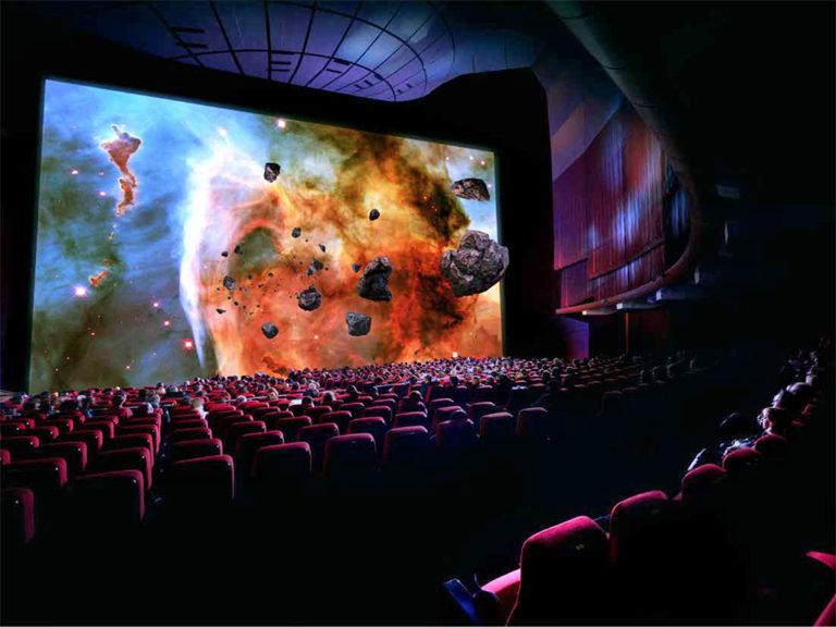 L'apparition des écrans géants dans les salles de cinéma !