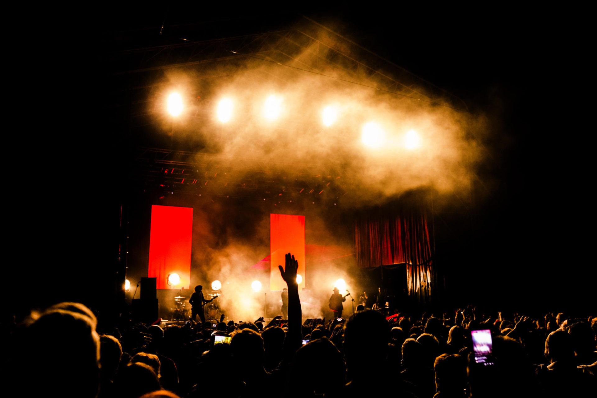 scénographie avec écran led concert
