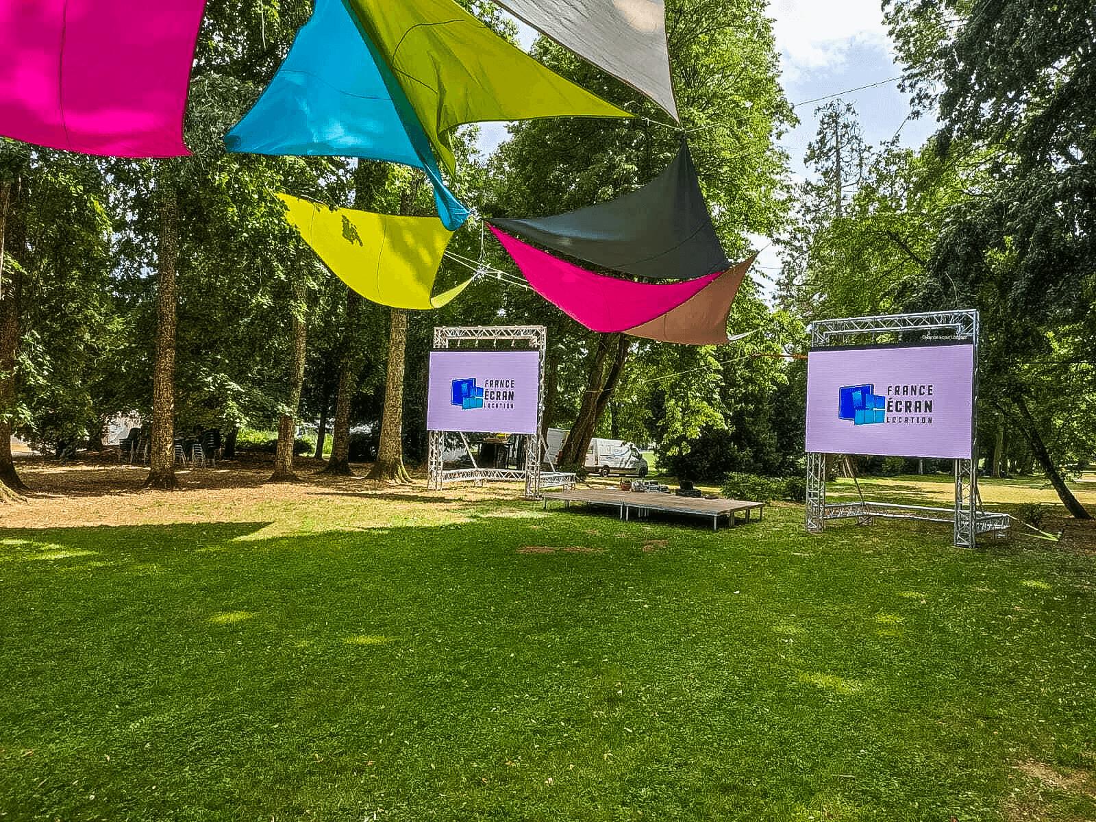 Location d'écrans d'extérieur pour un festival
